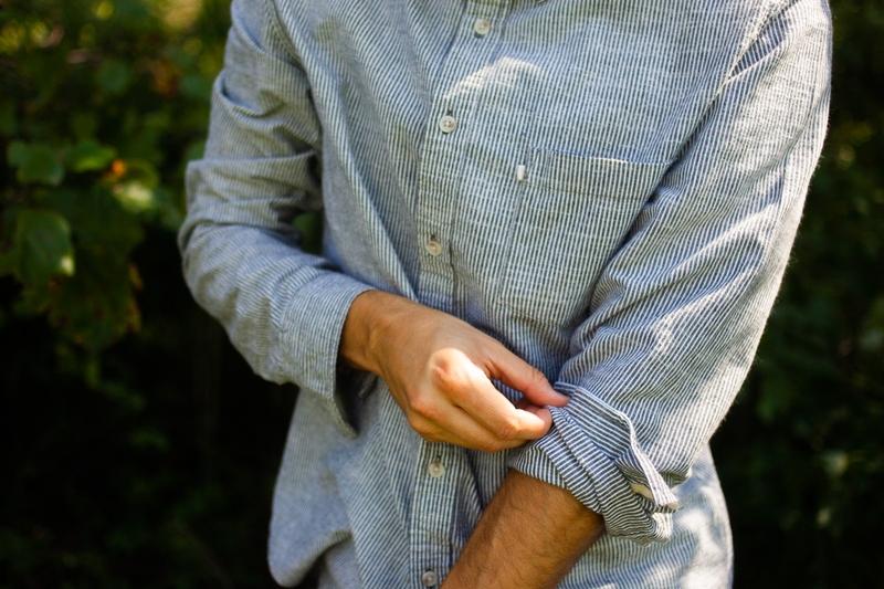 comment retrousser les manches de votre chemise