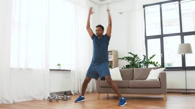 Jumping jacks, un classique du fitness