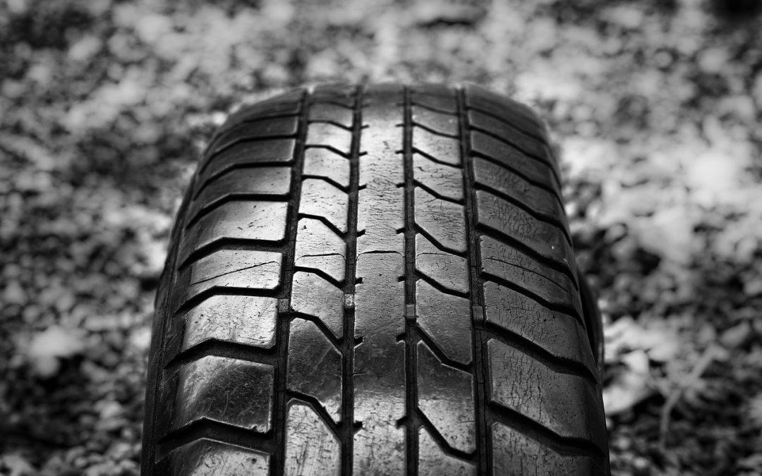 Les 3 meilleurs pneus tout terrain pour autoroute de 2021 : Quelles sont les options ? – Détails sur les pneus