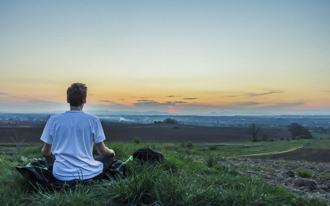 Yoga pour les hommes : Les avantages et les meilleures poses pour votre routine quotidienne